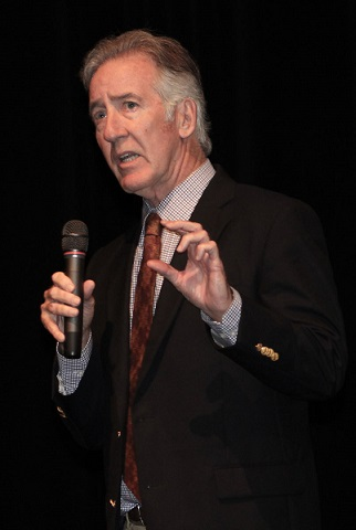 Richard Neal speaks on campus